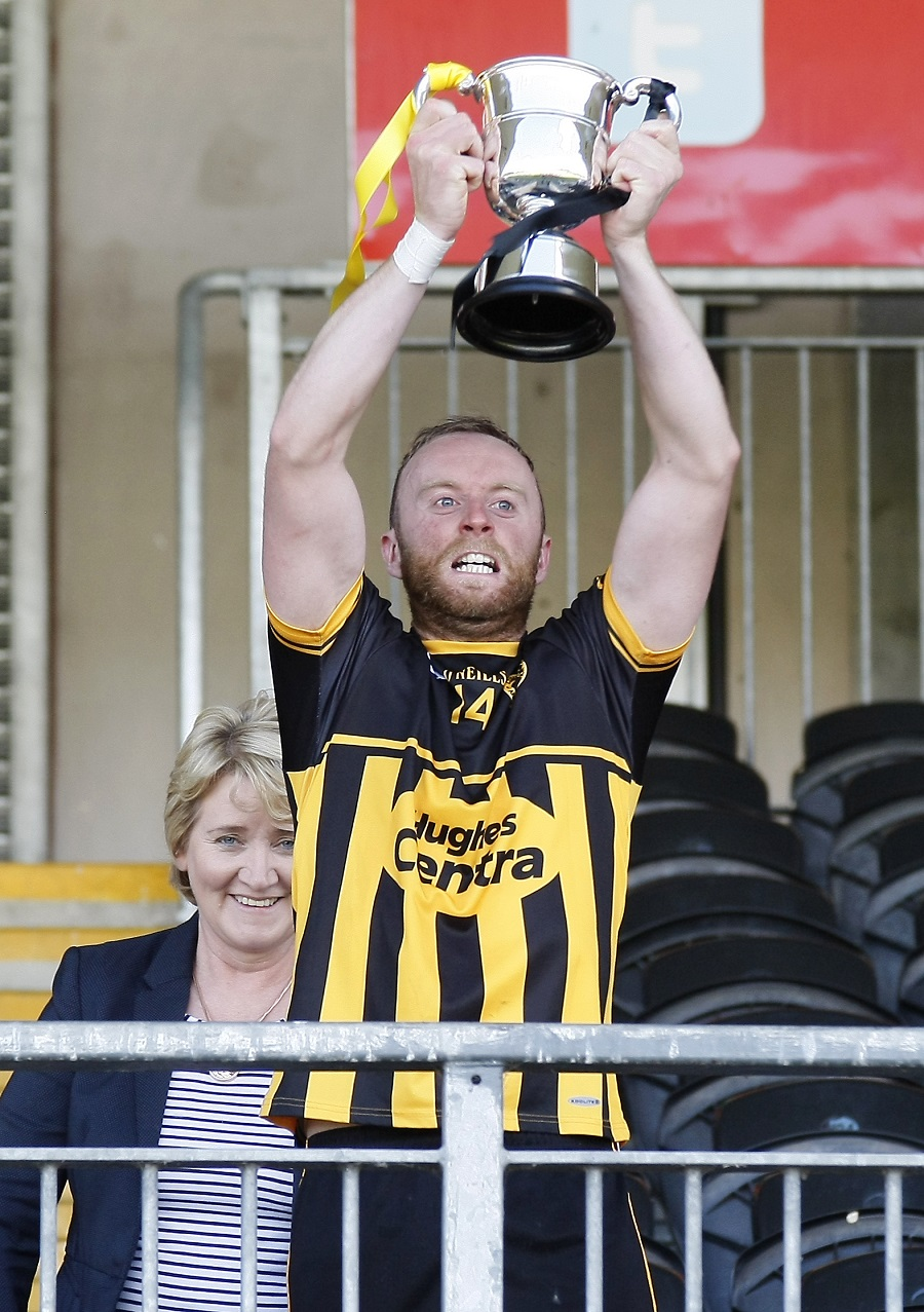 Eire Og and Naomh Colum Cille claim Hurling titles for 2016