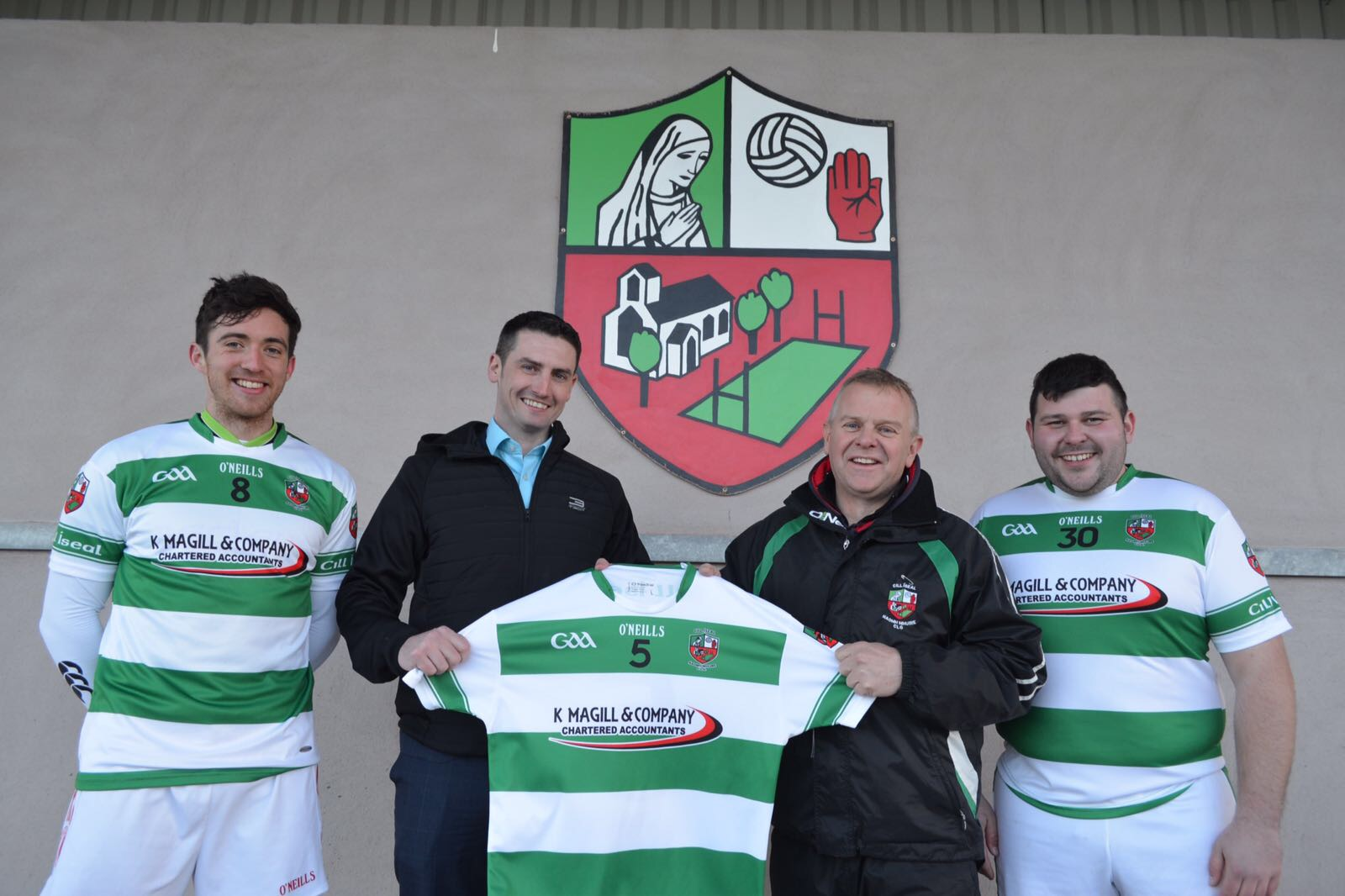 Killeeshil presented with new jerseys